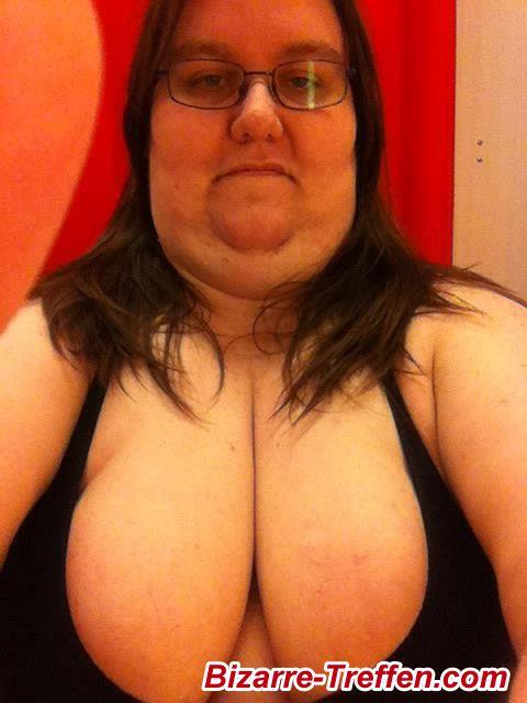 Frauen werden von dicken Schwänzen gefickt Riesiger Monster-Porno